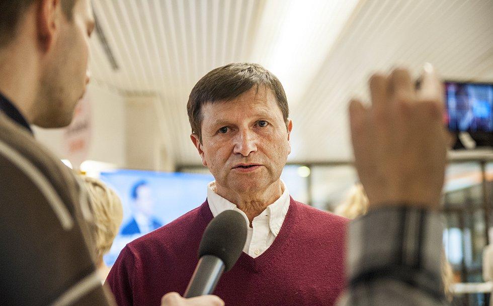 Jan Hrušínský ve štábu Jiřího Drahoše. 27.1.2017