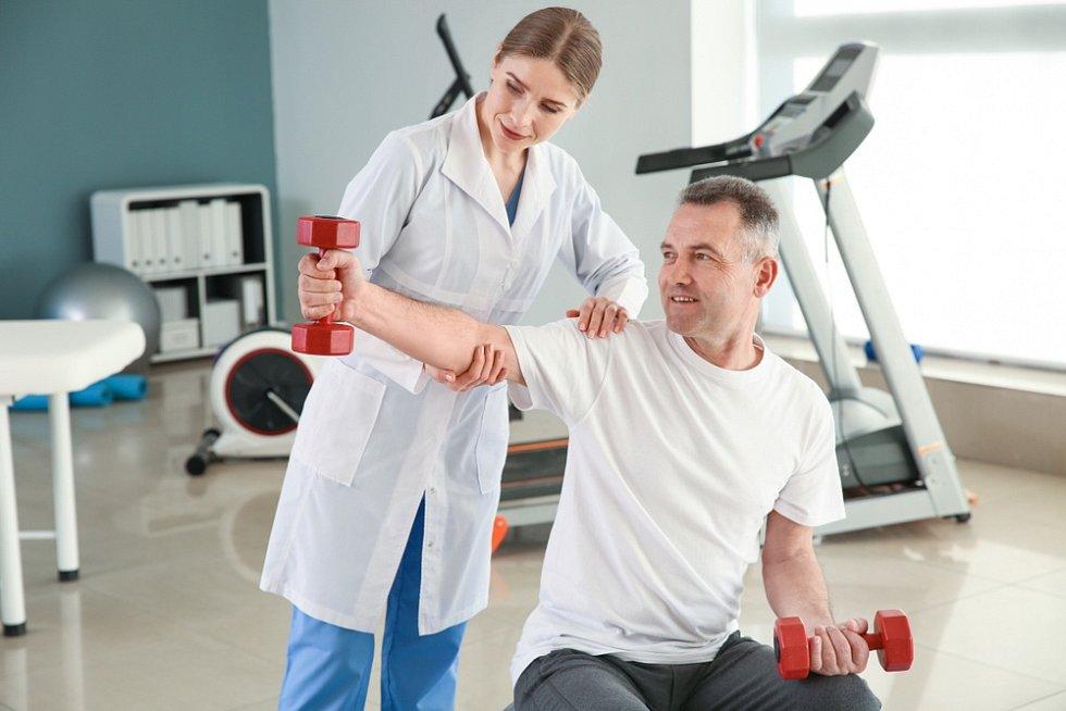 Domácí péči vám může doporučit i odborný lékař z nemocnice nebo specialista.