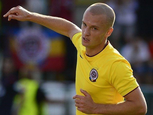 Útočník Sparty Martin Nešpor se raduje z gólu do sítě Bohemians.