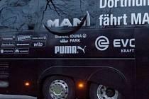 Napadený autobus fotbalistů Dortmundu