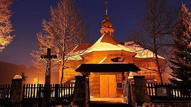 Kostel Panny Marie Sněžné ve Velkých Karlovicích na Valašsku