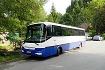 Do oblíbeného rekreačního areálu v Dolním Bušínově u Zábřeha vozí zájemce během prázdnin speciální autobusová linka.