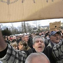 Demonstrace v bosenském Sarajevu.