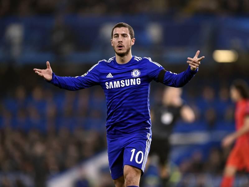 Eden Hazard z Chelsea proti Paris St. Germain.