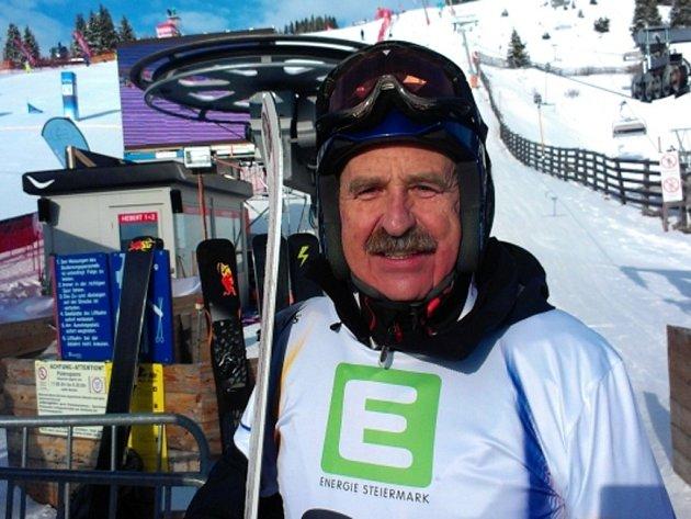 Snowboardista Leoš Prokopec senior si ve svých 57 letech prožil premiéru na MS.