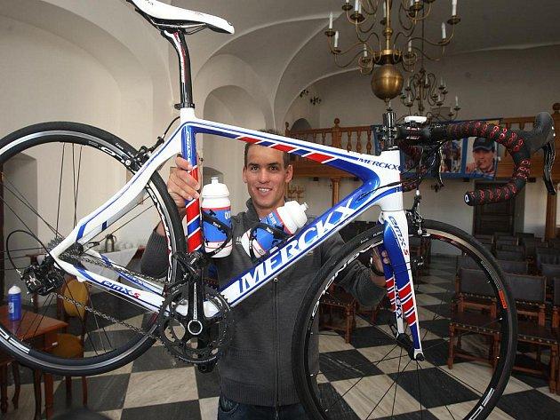 Cyklokrosař Zdeněk Štybar se představil v dresu v silničního týmu Quickstep