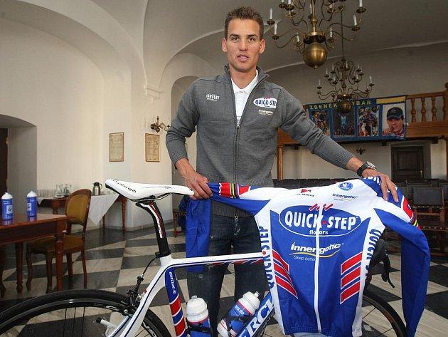 Cyklokrosař Zdeněk Štybar se představil v dresu v silničního týmu Quickstep.