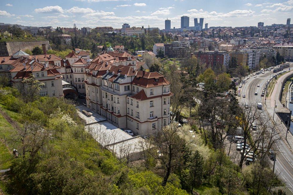 Ústav pro péči o matku a dítě v pražském Podolí