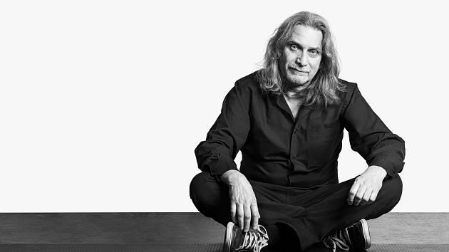 LUBOŠ BERÁNEK. Frontman kapely Těla a výhradní autor textů a hudby.