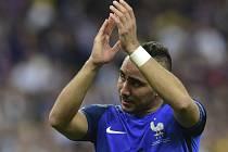 Francouzský hrdina Dimitri Payet neudržel slzy.