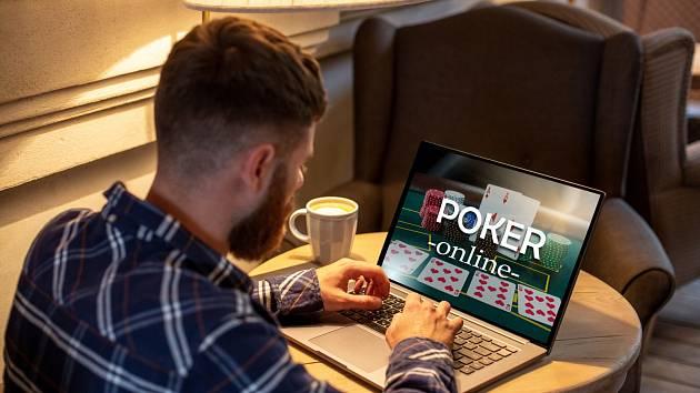 Mezi nejpopulárnější hazardní hry patří poker. Podle některých se ale jedná o sport - od hazardu jej totiž odlišuje nutnost znalostí, taktiky a možnost hru ovlivnit.