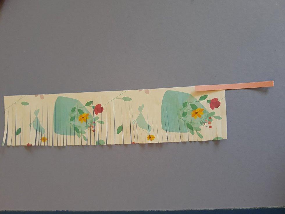 I kytky z papíru babičku potěší
