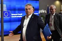 Maďarský premiér Viktor Orbán odchází ze sídla EU, 18. července 2020