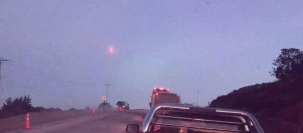 Minulou středu se nad Chile objevil tajemný svítící objekt, možná jich bylo dokonce víc