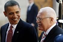 Barack Obama s Václavem Klausem na Pražském hradě