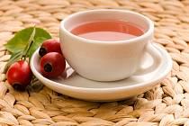 Šípkový čaj pomáhá proti chřipce a nachlazení.