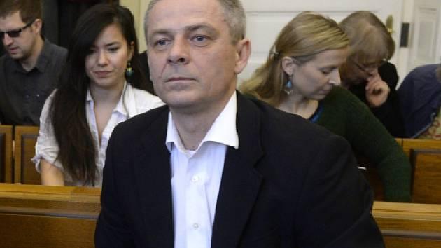 U Obvodního soudu pro Prahu 2 pokračovalo 18. března projednávání kauzy údajně nevýhodné privatizace OKD z roku 2004. Na snímku je jeden z obžalovaných, Pavel Kuta.
