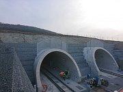 Tunel Ejpovice mezi Plzní a Prahou. Simulace nehody.