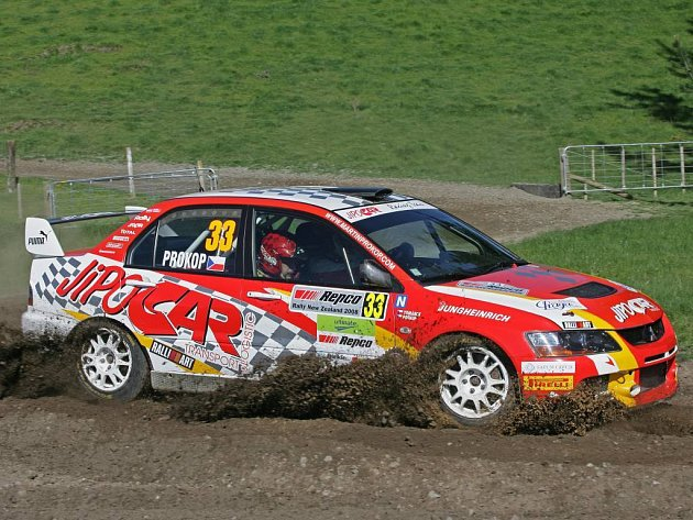 Martin Prokop si na Zélandu dojel pro vítězství.