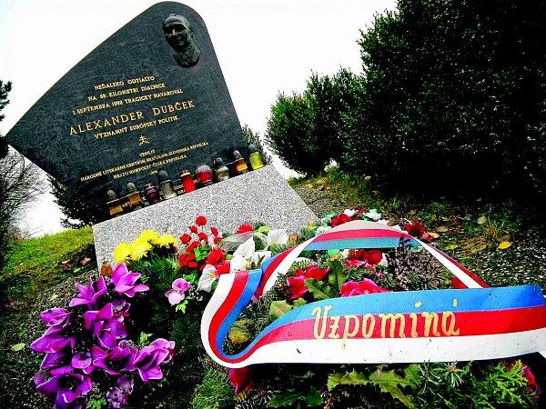 Pomník Alexandera Dubčeka