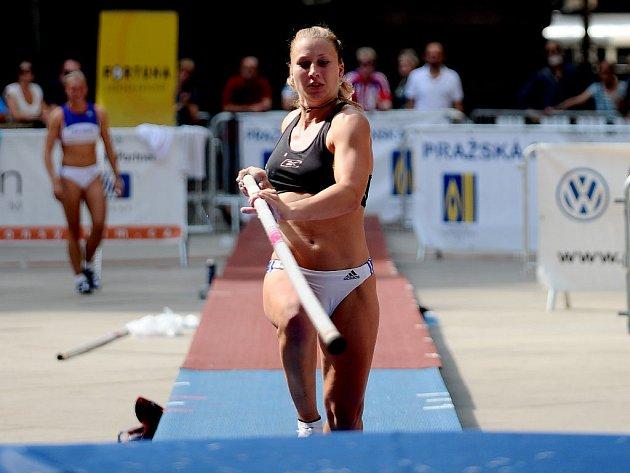 Jiřina Ptáčníková přeskočila na Pražské tyčce 410 centimetrů.