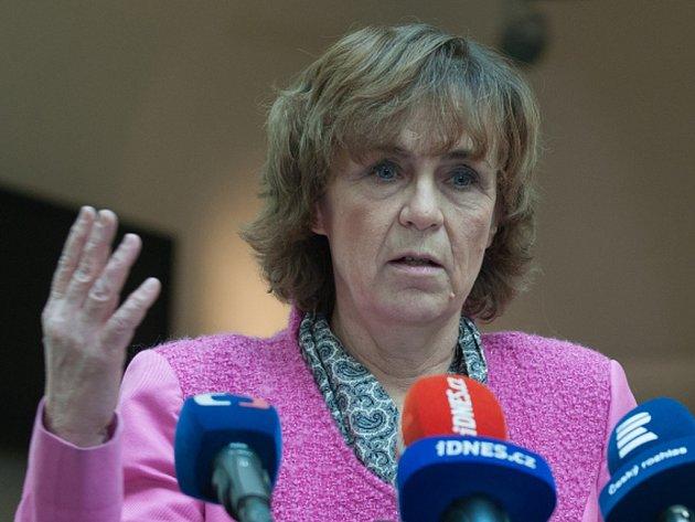 Česko prozkoumá možnosti, zda by se nemohlo v Norsku případně připojit v odvolacích soudních procesech v kauzách odebraných českých dětí jako vedlejší účastník řízení, dnes to řekla poslankyně opoziční TOP 09 Jitka Chalánková.
