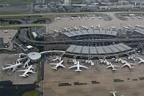 Letiště Charlese de Gaulla v Paříži.
