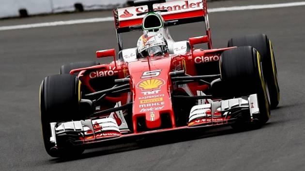 Sebastian Vettel v tréninku na Velkou cenu Mexika.
