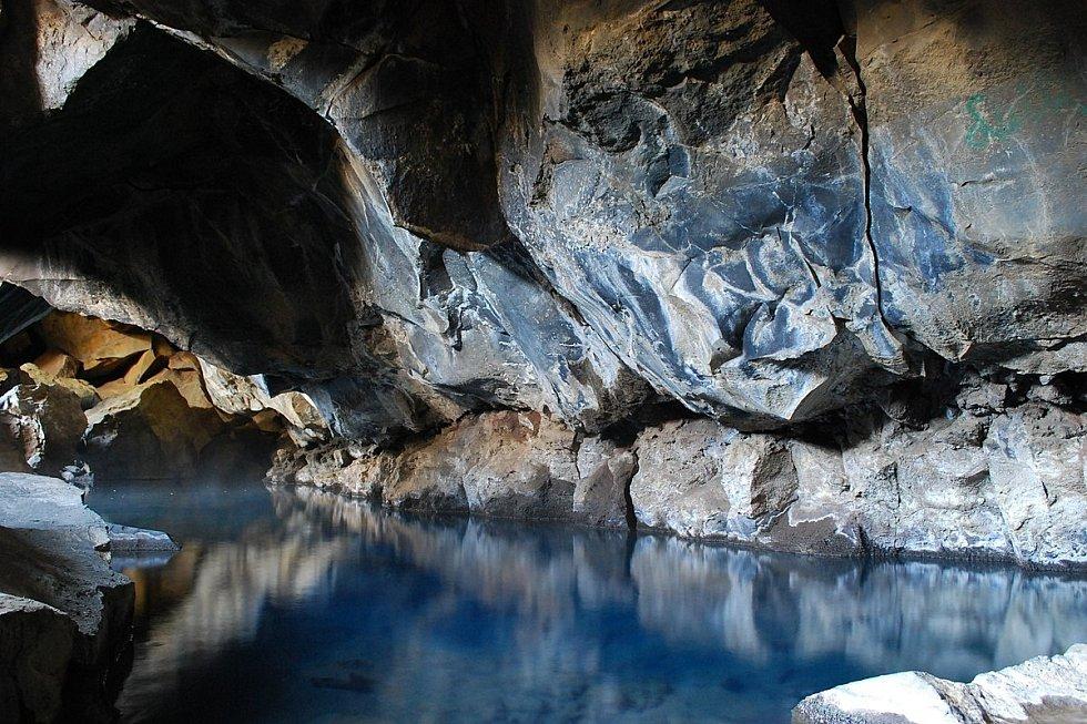 Jak se žije v jeskyni? Ilustrační foto