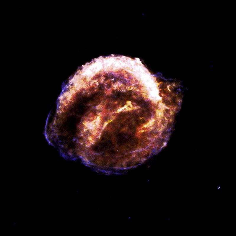 Zbytky Keplerovy supernovy, která jako poslední vybuchla v Mléčné dráze. Její explozi pozoroval v roce 1604 právě Jan Kepler