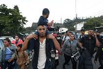 Migranti mířící k mexickým hranicím. Ilustrační snímek
