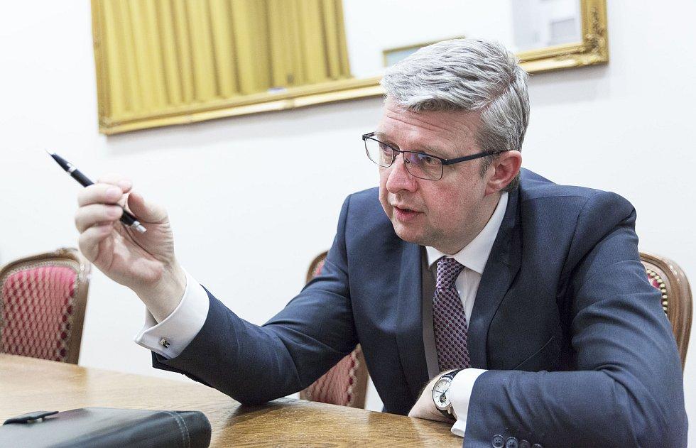 Ministr dopravy a průmyslu a obchodu Karel Havlíček
