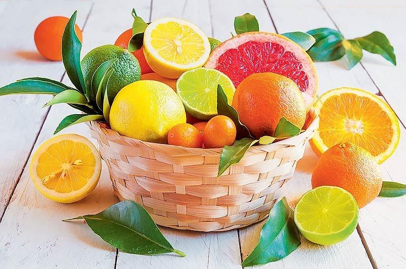 Citrony, limetky, pomeranče, mandarinky… vzimě pomohou při budování imunity, najaře zase očistí tělo odtoxinů apodpoří trávení.