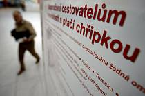 První dva lidi, u nichž existuje podezření, že jsou nakaženi prasečí chřipkou, vyšetřují lékaři v Česku. Oba se vrátili v nedávné době z Mexika. Tam nový kmen chřipkového viru zabil v krátké době přes 150 lidí.