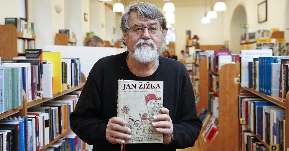 Petr Čornej získává Magnesii Literu za svou obří knihu o Janu Žižkovi