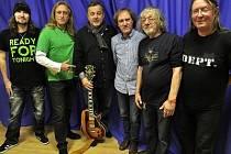 "Zleva Miloš Meier, Kamil Střihavka, Michal Pavlíček, Vladimír ""Guma"" Kulhánek, Jan Hrubý a Roman Dragoun."