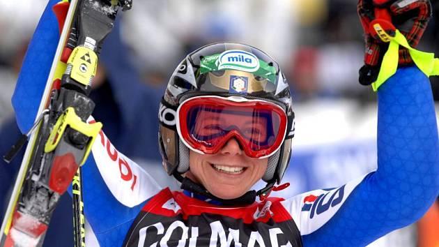 Italka Denise Karbonová je novou držitelkou křišťálového glóbusu za obří slalom.