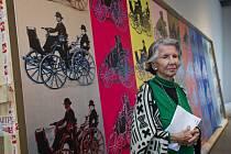 Meda Mládková v pražském Museu Kampa u jednoho z nejdražších obrazů Andyho Warhola.