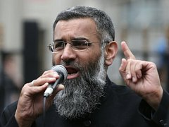Radikální islámský duchovní Anjem Choudary.