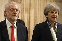 Lídr britských labouristů Jeremy Corbyn a premiérka Theresa Mayová