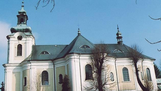 Kostel sv. archanděla a Michaela ve Smržovce - jeho obnova je obrazem příkladné spolupráce církve, památkářů i města.