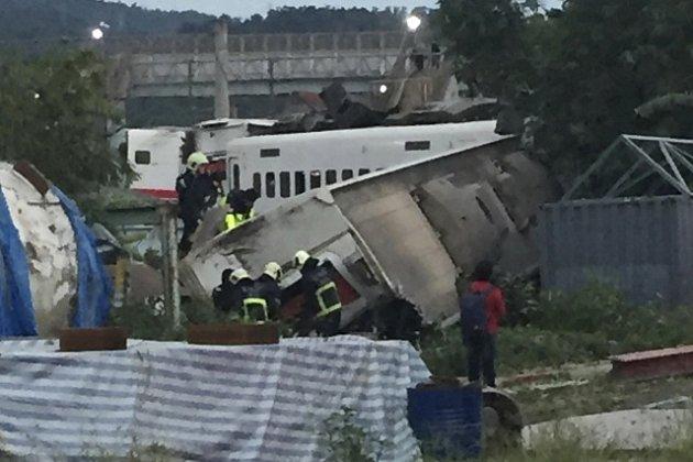 Na Tchaj-wanu vykolejil vlak.