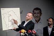 Premiér Andrej Babiš zahájil 3. září v Praze komunální a senátní kampaň pro říjnové volby. Na snímku lídr kandidátky v Praze Petr Stuchlík.