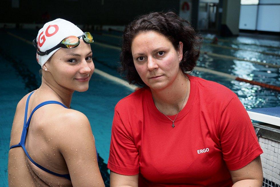 Trenérka Petra Škábová a její svěřenkyně Barbora Seemanová
