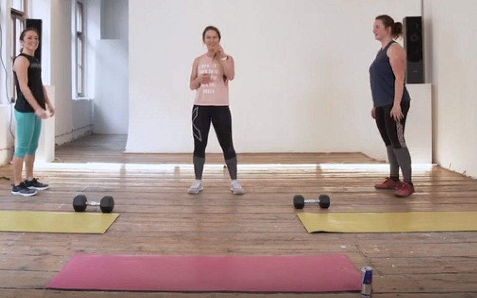Ve 20minutovém videu trenérky Lu Gregorové a jejích kamarádek Aničky a Barči vás čeká Tabata.