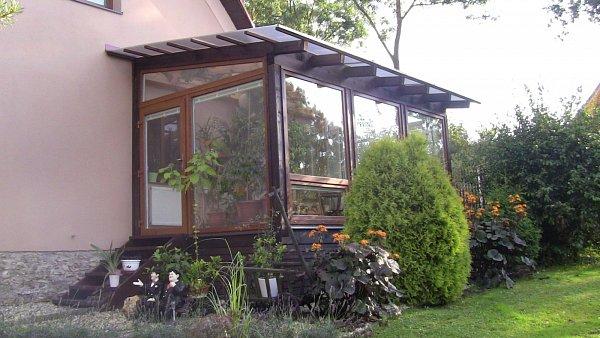 Nová plastová okna pro zimní zahradu vMezině namontovala pobočka Světa oken s.r.o. vBruntále.