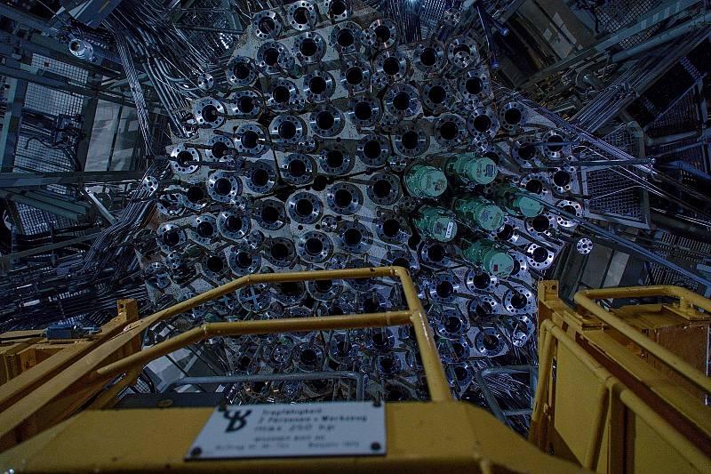 Místnost s regulačními tyčemi pod reaktorem. Zbytek toho co se dochovalo po konzervaci. Rakouská jaderná elektrárna Zwentendorf.