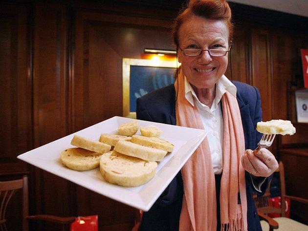 Soutěž o nejlepší český knedlík se v roce 2009 konala v hotelu InterContinental. Mezi porotci se již tradičně objevila herečka Iva Janžurová.