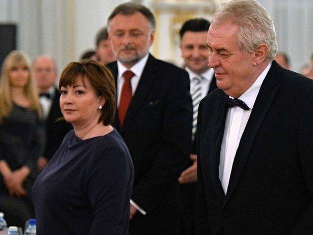Zahájení plesu, prezidentský pár