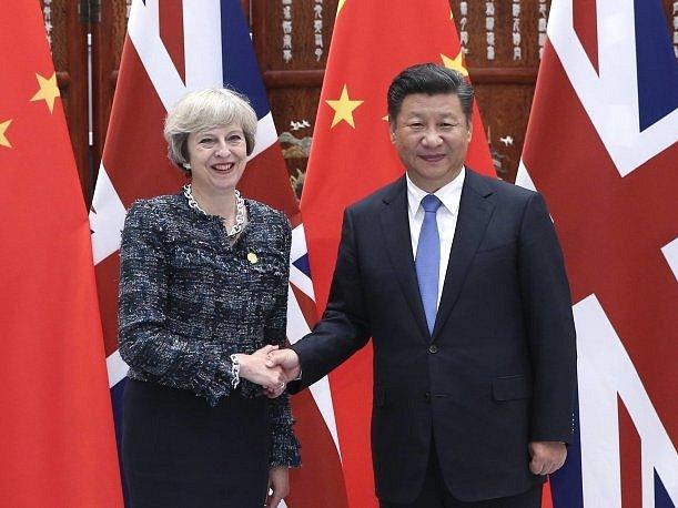 Čínský prezident Si Ťin-pching je otevřený bilaterální obchodní dohodě mezi Čínou a Británií.